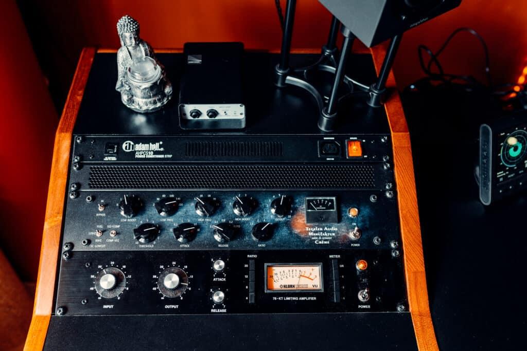 Analoge Hardware im Recording-Studio bei Peak-Studios